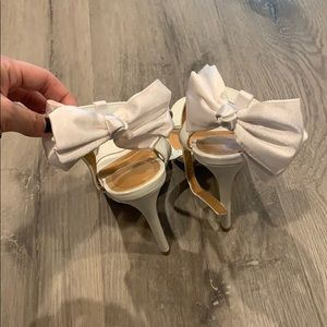 Cute sexy white ribbon bow heels